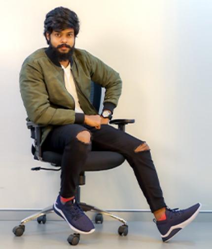 RJ Akshaya