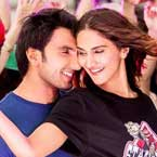 Befikre: Ranveer and Vaani sizzle in the new kiss-less still